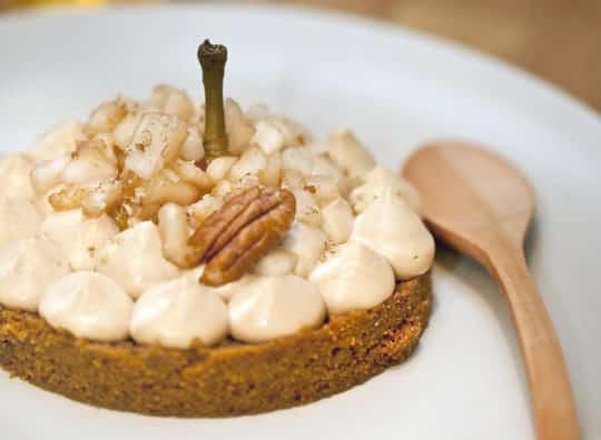 Cheesecake au caramel beurre salé et dés de poire et cidre Poire Envies de...