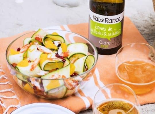 Salade fraîche de crabe, orange, grenade, tomates confites, courgettes et cidre Brut envies de...