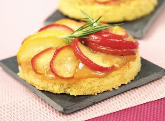 Tartelettes aux pommes et au cidre, caramel beurre salé