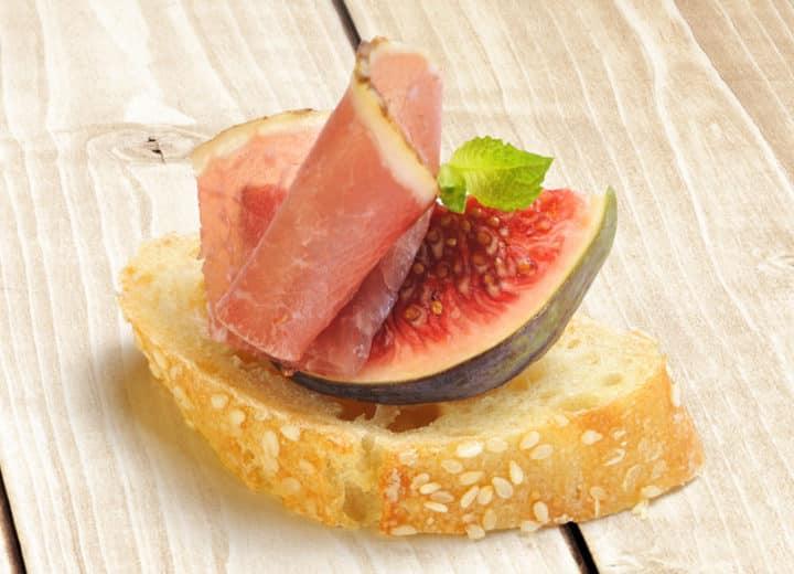 Toast à la figue et cidre rosé Pamplemousse